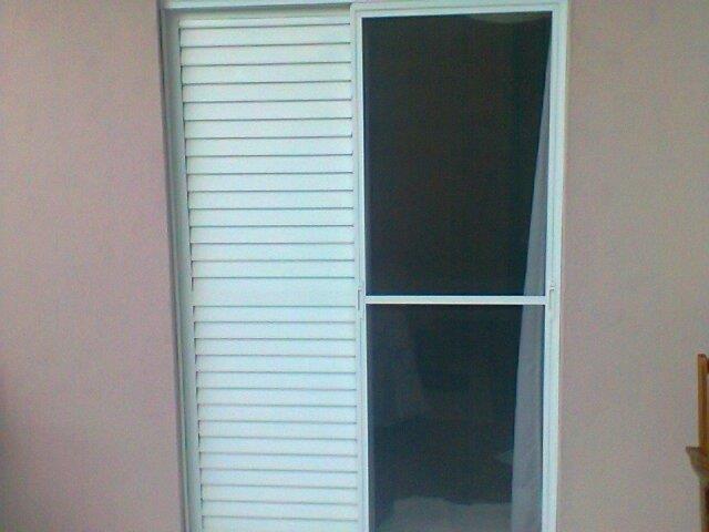 Tela contra insetos para portas e janelas